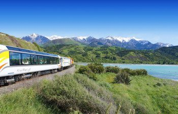 01Tranz-Scenic---Coastal-Pacific-with-Kaikoura-ranges