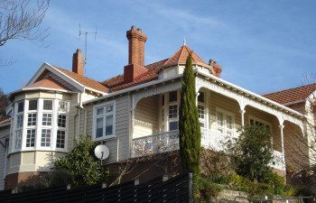 01hazel-house3