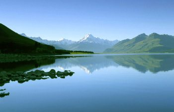 14-mt-cook-reflection