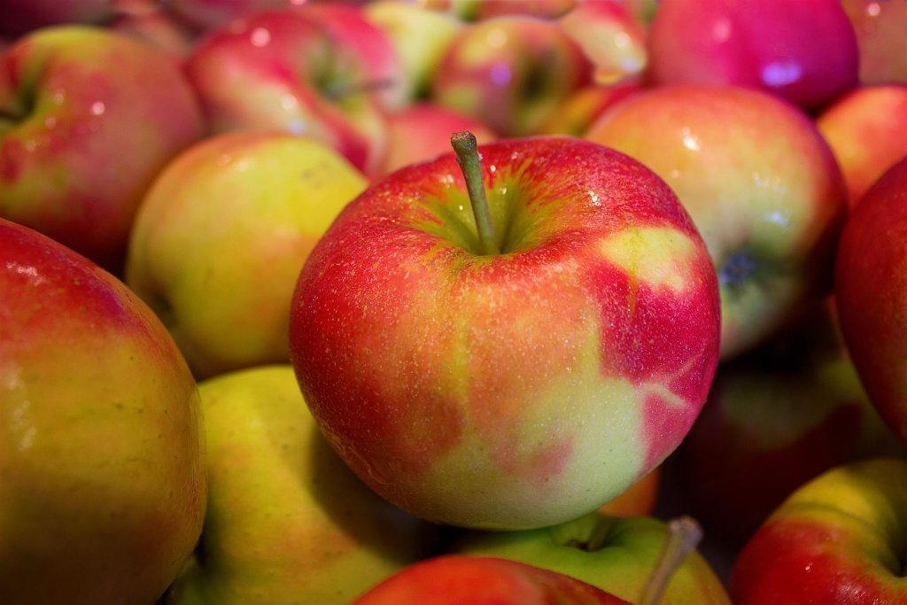 healthy-fruits-health-apples