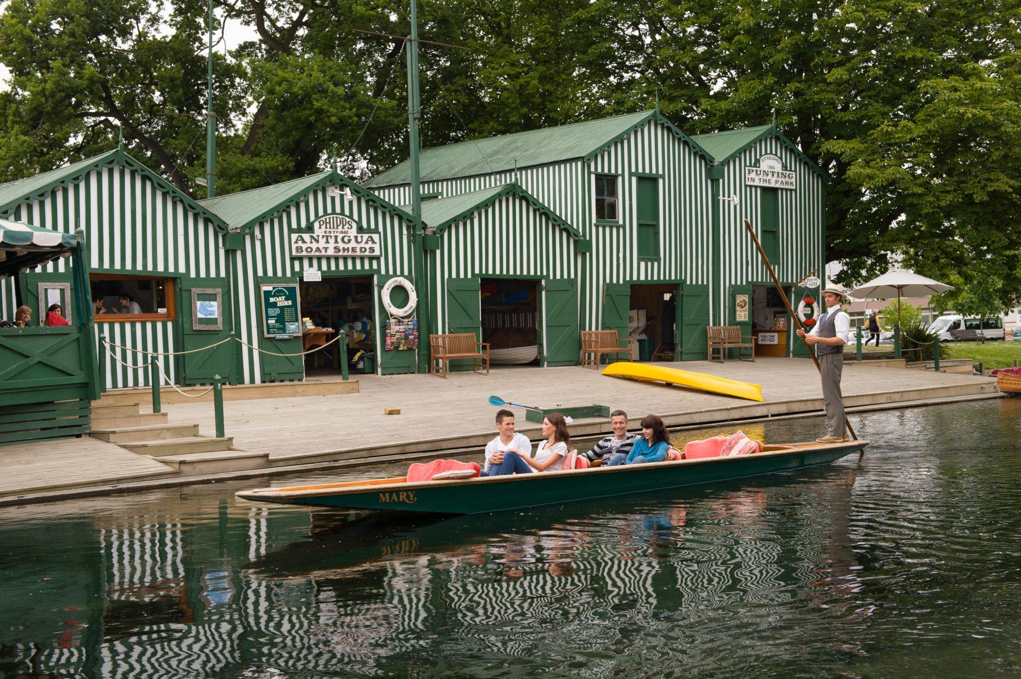 friends_enjoying_a_spring_punt_outside_antigua_boatsheds