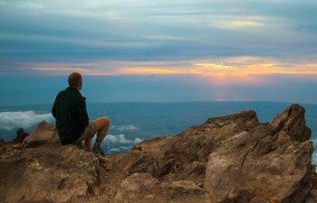taranaki-pouakai-crossing-outlook-over-new-plymouth-jeremy-beckers