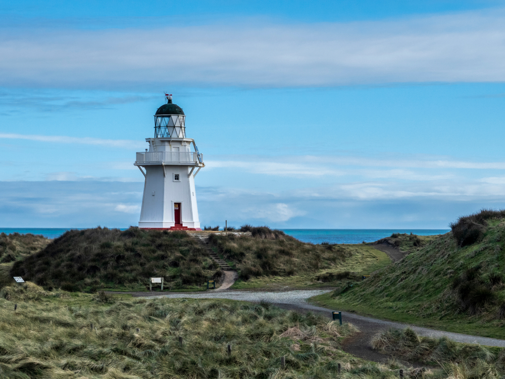 Waipapa Point Lighthouse - Silver Fern Holidays